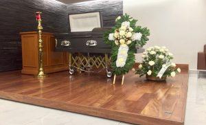 Corona funebre per rendere il giusto omaggio ai defunti